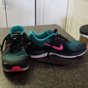 Nike Dual Fusion x2 Size 7